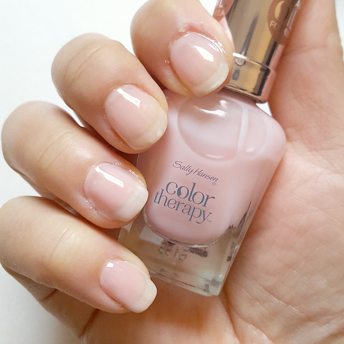 Review & Swatches: Sally Hansen Color Therapy - 220 Rosy Quartz