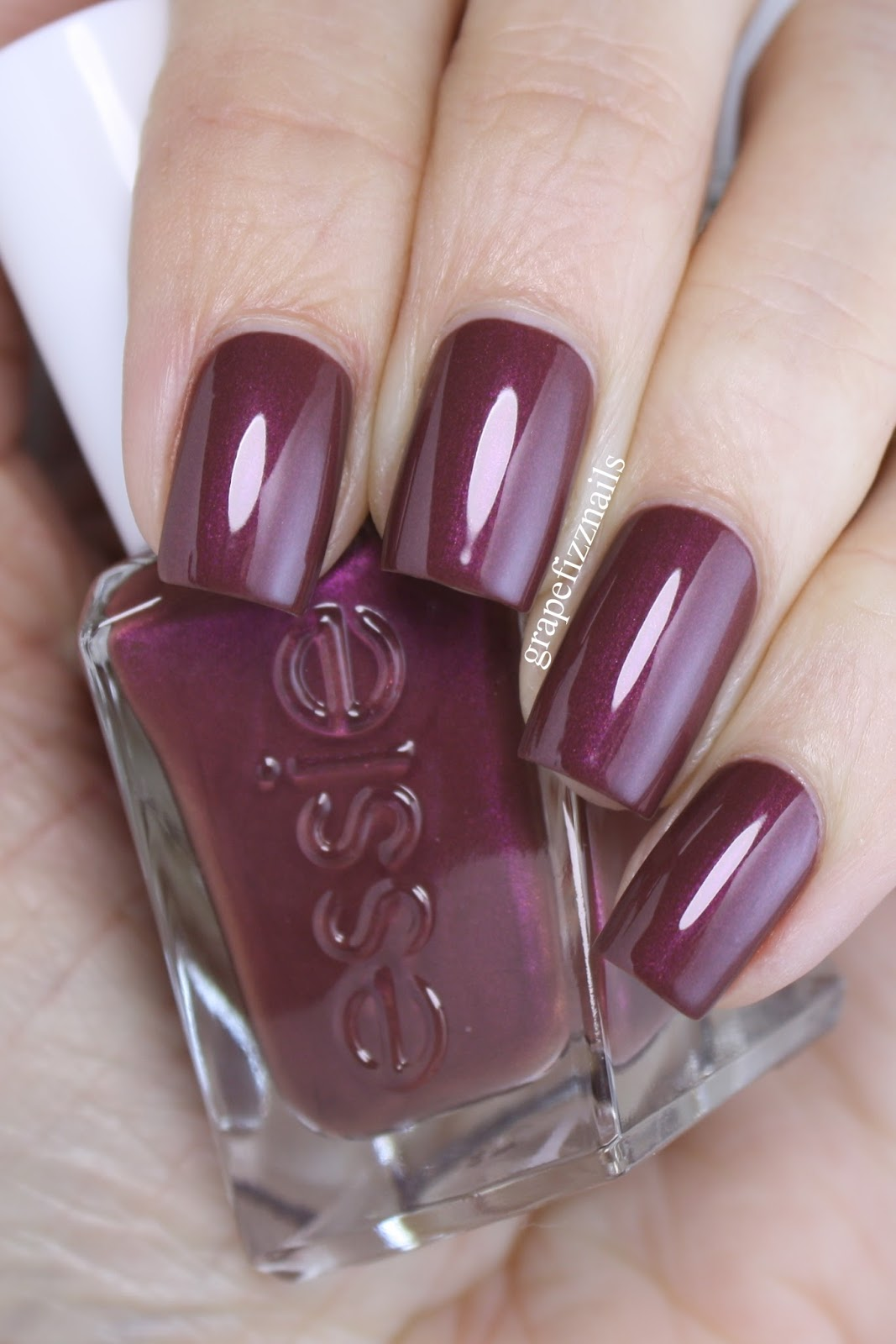 Grape Fizz Nails: Essie Gel Couture, Pearls of Wisdom