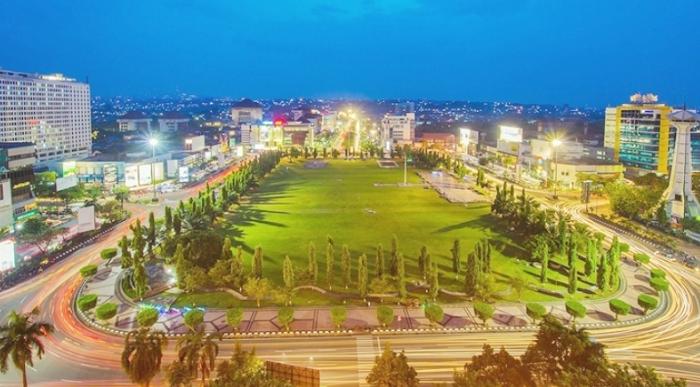 Wisata Simpang Lima Semarang