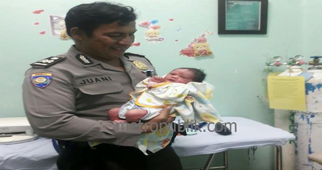 Petugas Polsek  Medan Baru Tolong Ibu Melahirkan,Victor Ziliwu : Ini Bentuk Pelayanan Dengan Hati