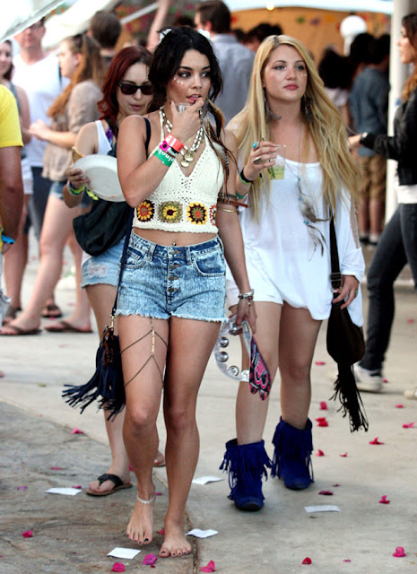 vanessa hudgens, coachella, cut off shorts, body chain, crochet