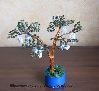 Белая акация из бисера - дерево для начинающих