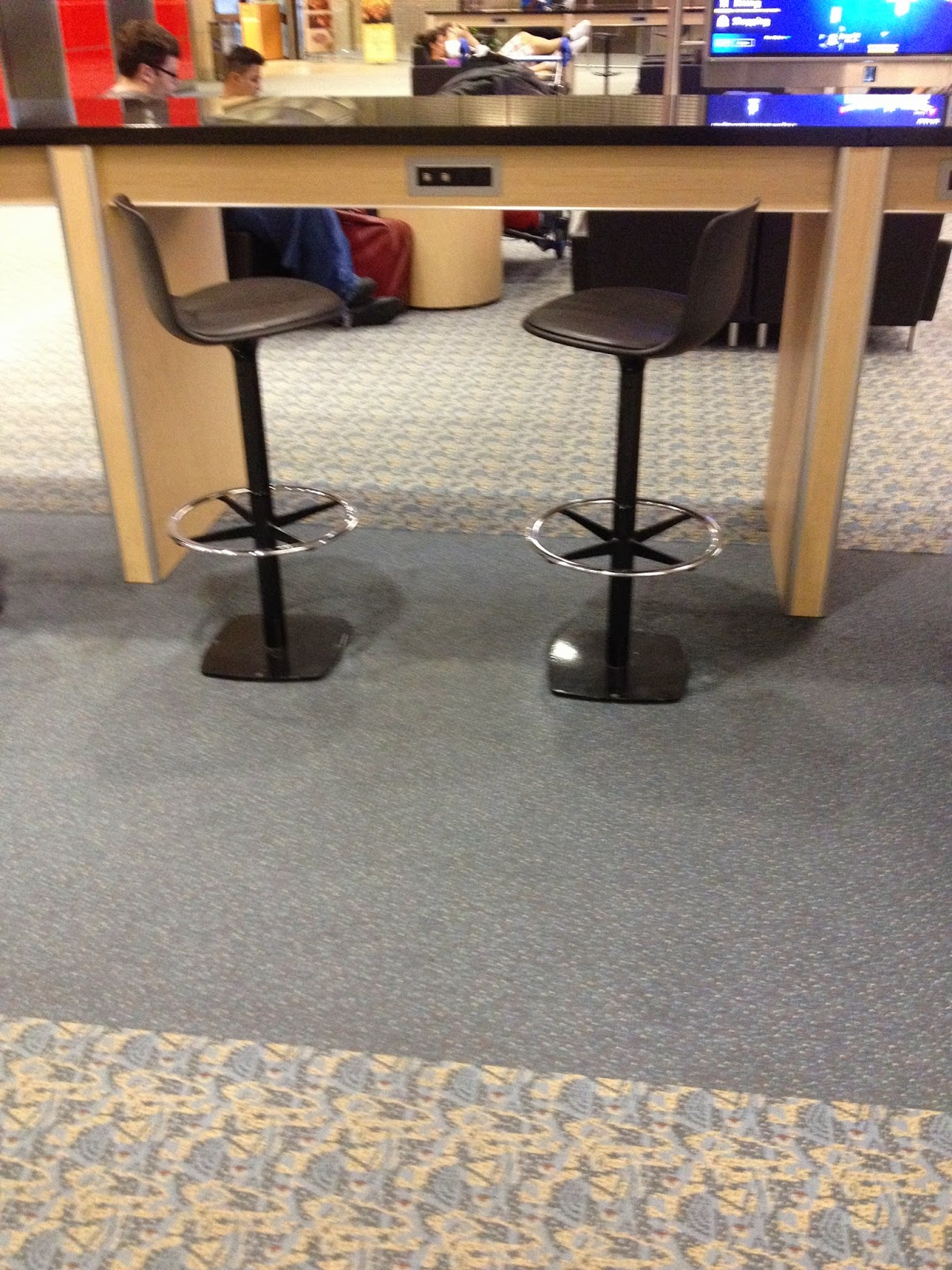 Stool USB and power points at Tampa International Airport