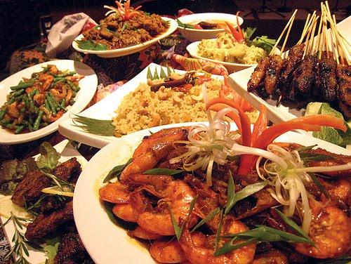 Tips Menata Makanan agar Tidak Kegemukan