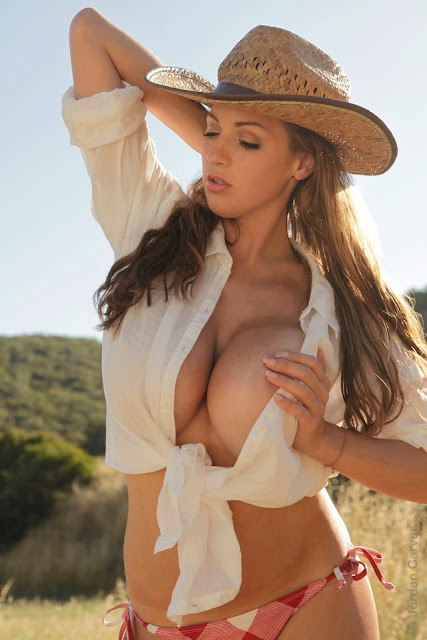 Jordan-Carver-little-farmer-hot-and-sexy-hd-images-from-photoshoot_11