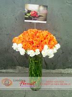 buket bunga, bunga mawar dalam vas, rangkaian bunga meja, bunga ulang tahun, bunga ucapan selamat, toko karangan bunga, toko bunga jakarta, toko bunga, bunga mawar orange