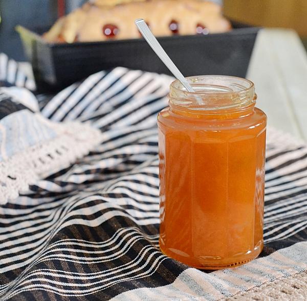 Mermelada de melocotones, naranja y miel
