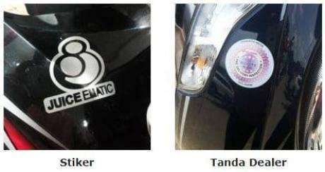 Tempel Stiker atau Tanda Pengenal motor