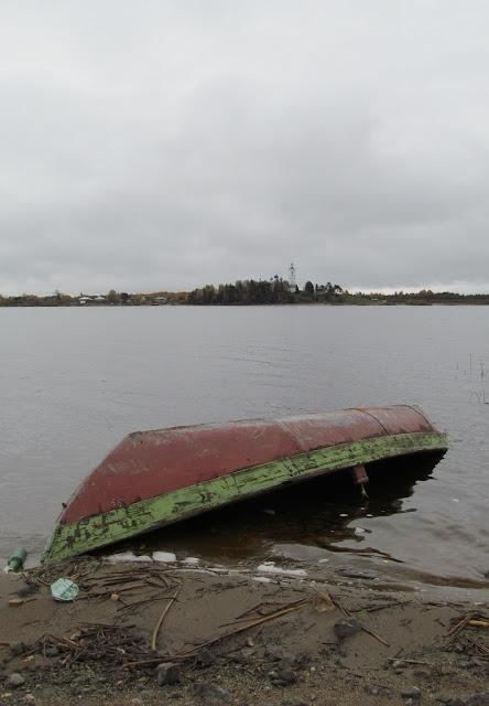 лодка на Кубене