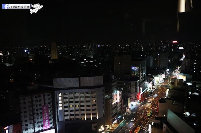 IMG 4626 - 熱血採訪│凱度高空咖啡館,隱藏在高樓大廈裡的夜景咖啡,百元有找,談生意、約會好地方