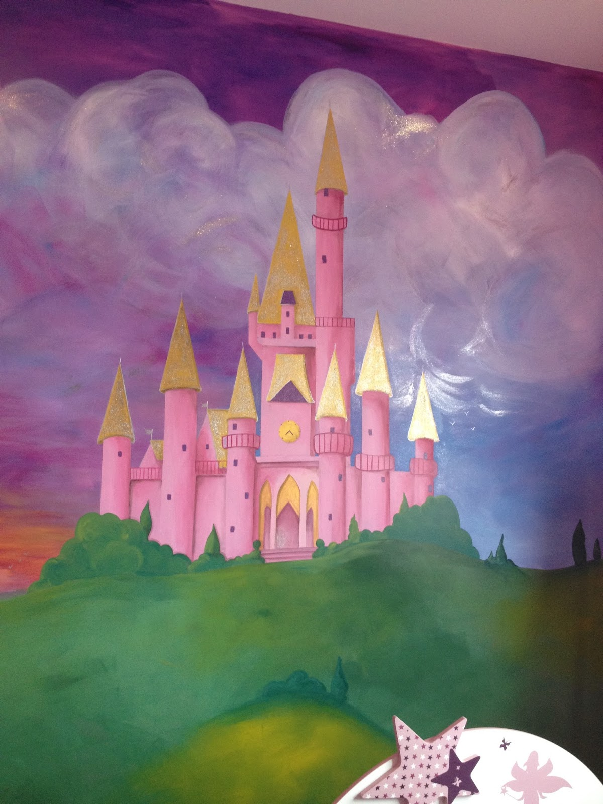 Lulu berlu mur chambre princesse peinture acrylique et - Peinture mural paillette ...