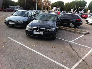 Parking por el Parlamento de la Rioja