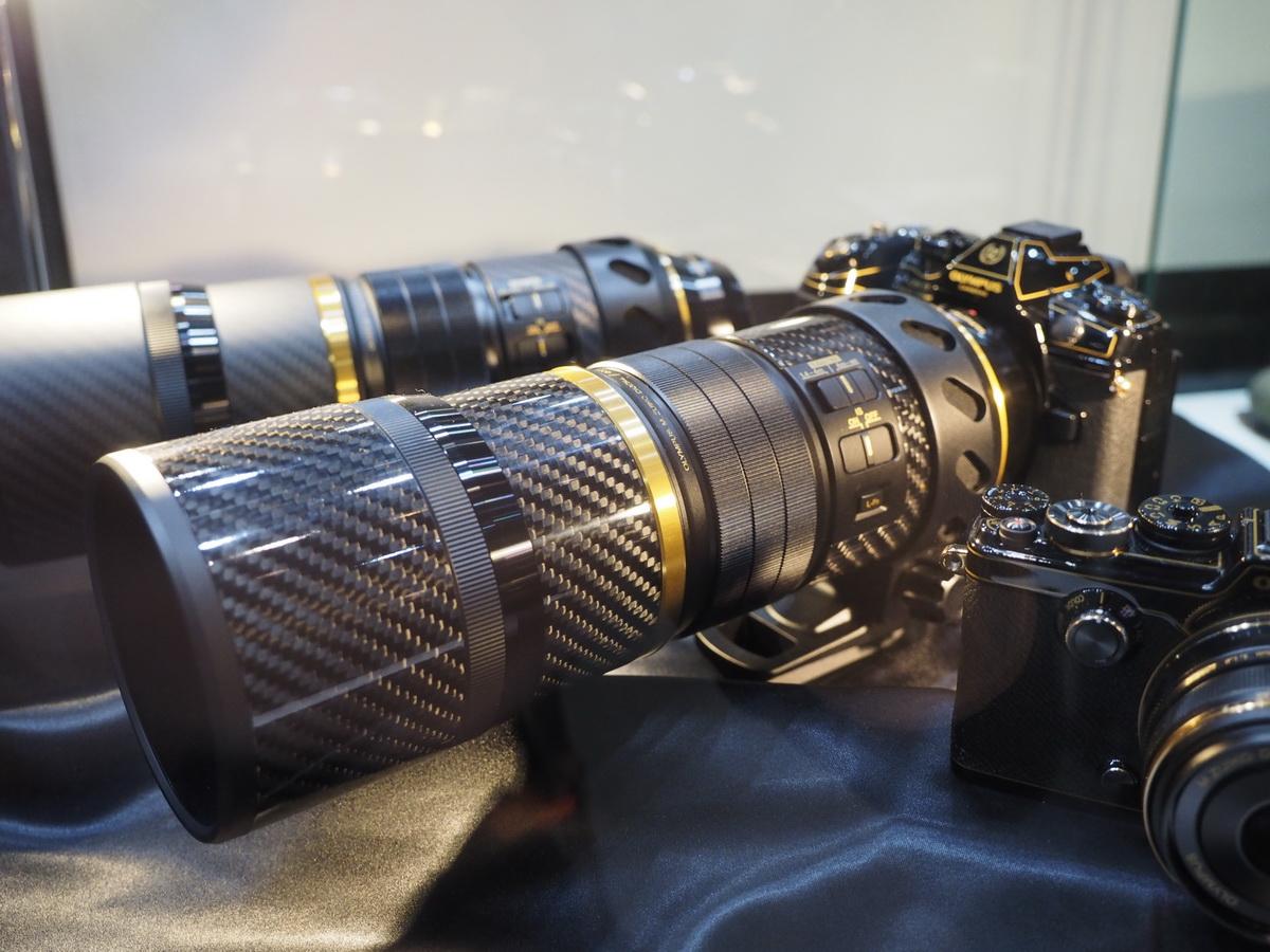 M.Zuiko 300mm f/4 Pro в черно-золотом исполнении
