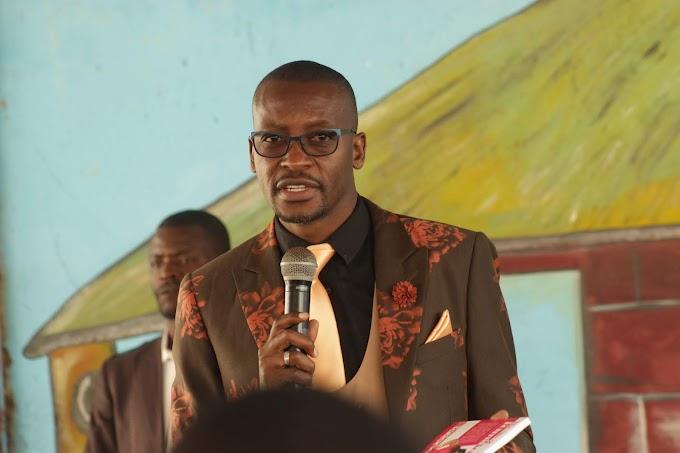 Apostle Pride Sibiya Acknowledging Prophets Blessing and Tatiana Chiza At Tiyambuke 2018