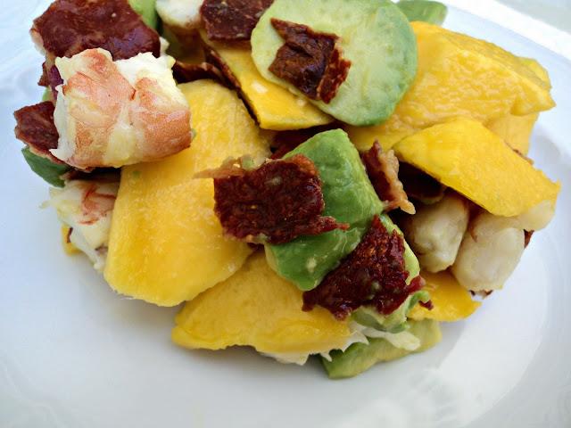 ensalada-mango-langostinos-presentacion