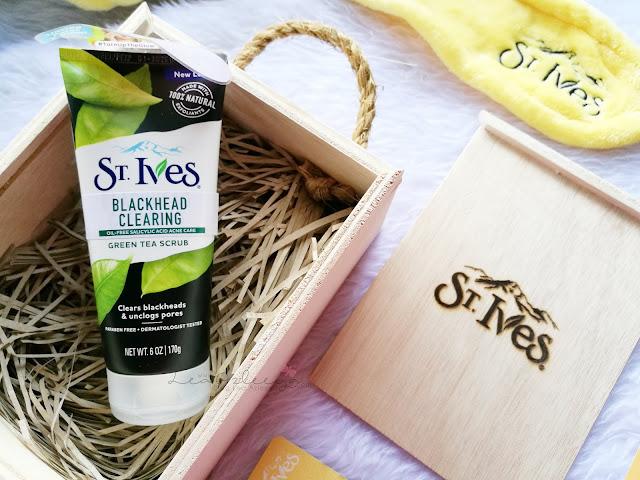 Hilangkan Bintik Hitam Dengan St Ives Blackhead Clearing Green Tea Scrub