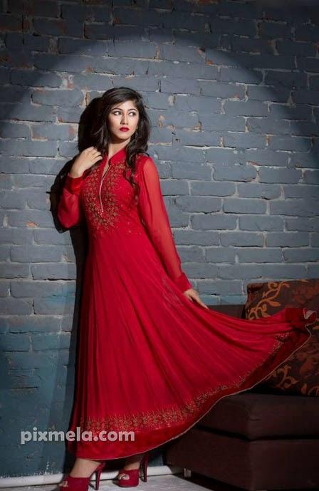Safa Kabir Hot Sexy Bangladeshi Model