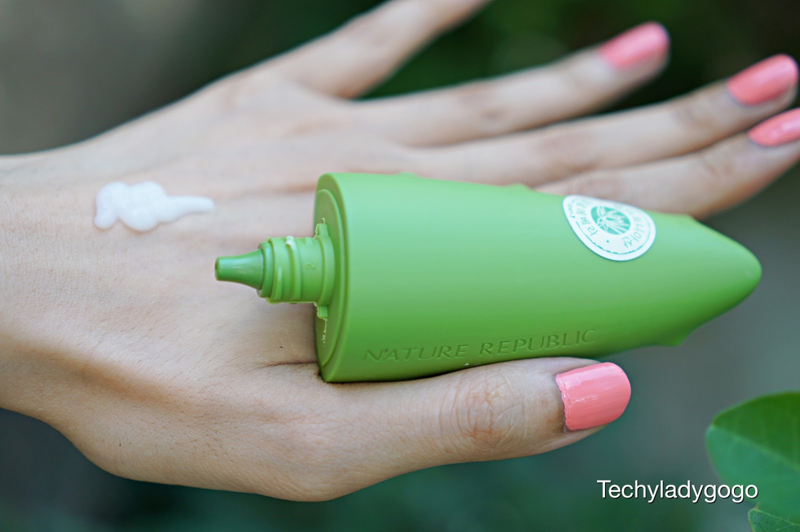 Nature Republic California Aloe Vera Hand Cream แฮนด์ครีมสูตรว่านหางจระเข้ ครีมทามือมาพร้อมแพคเกจเก๋ๆ