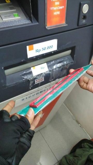 Pernah Jumpai Model ATM Seperti Ini? Waspada Ini Modus Penipuan Baru, Cara Kerjanya Ternyata Begini