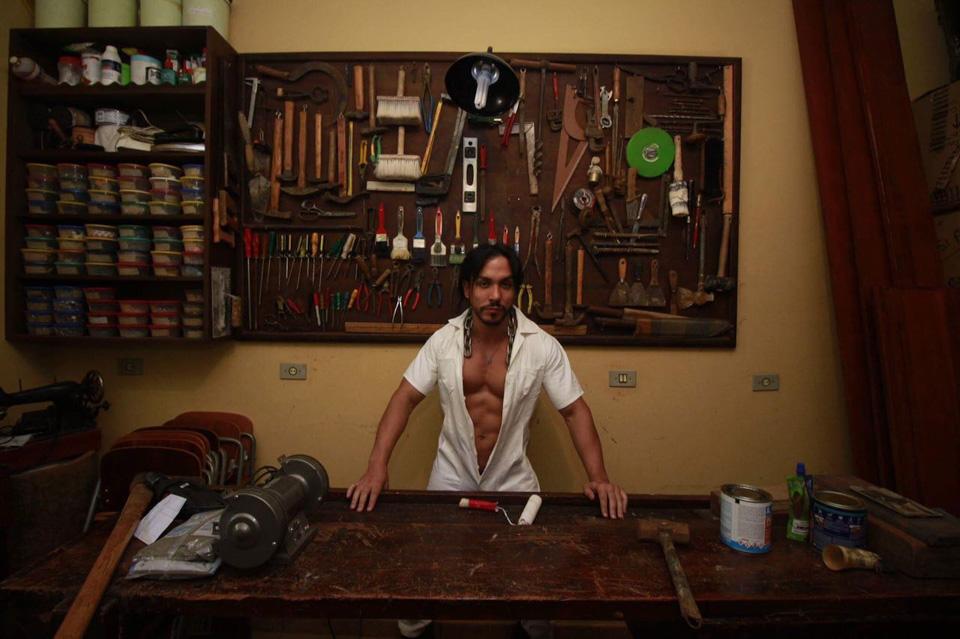 Ricardo Dias posa para ensaio em homenagem ao Dia do Trabalho. Foto: Roberto Clix/Renato Cipriano - Divulgação