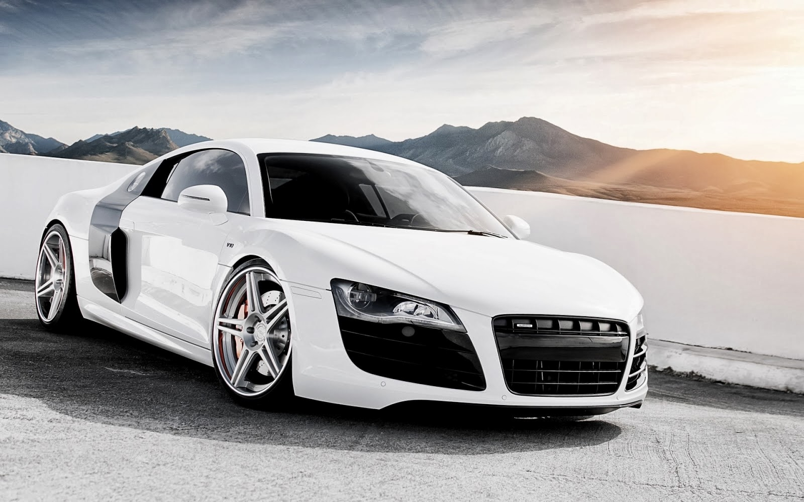 AUDI R8 HD WALLPAPERS | FREE HD WALLPAPERS