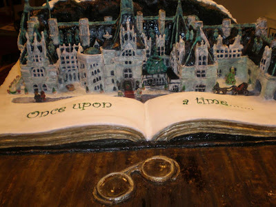 15 Creative and Unusual Gingerbread Creations (15) 5