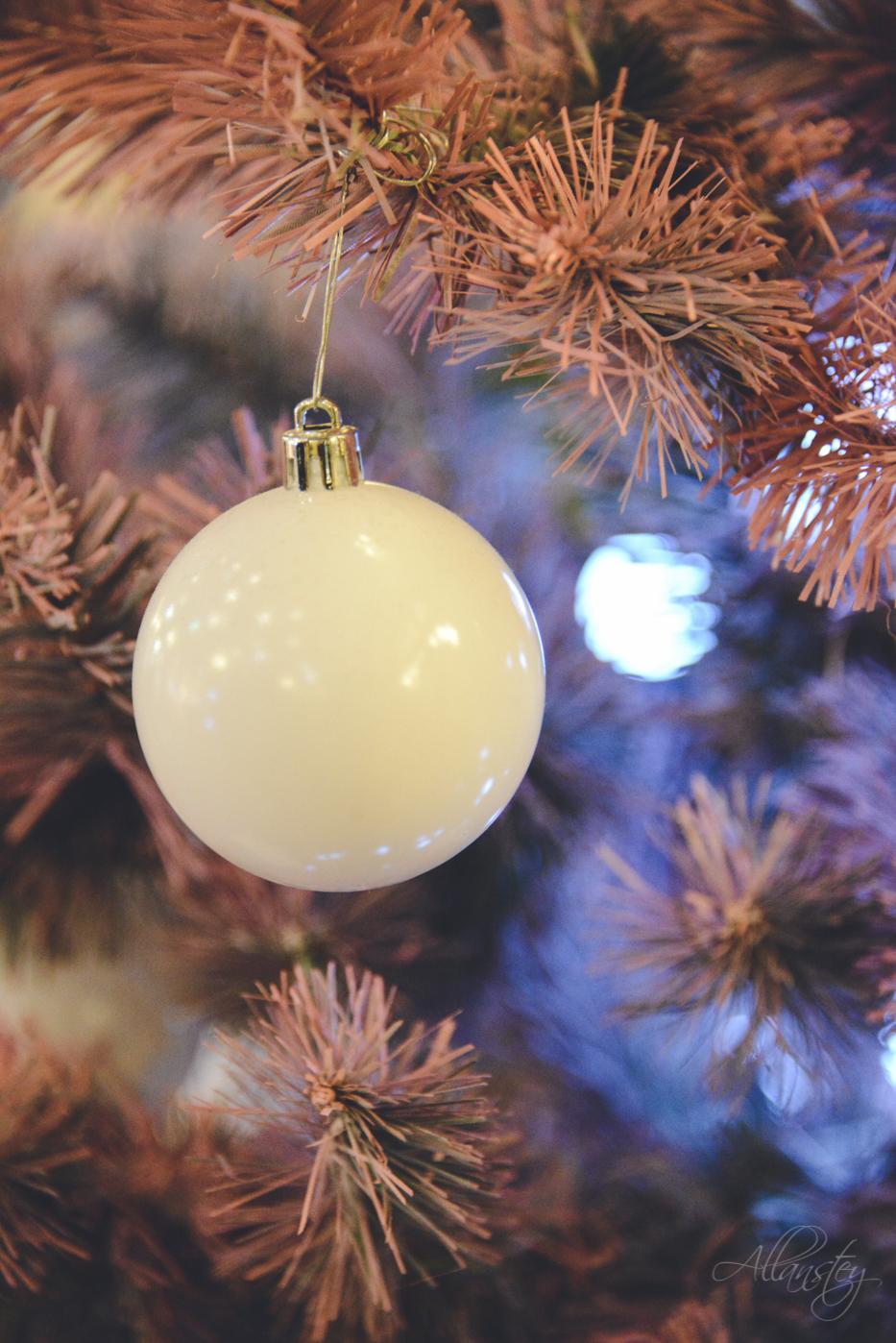 White Christmas ball decoration