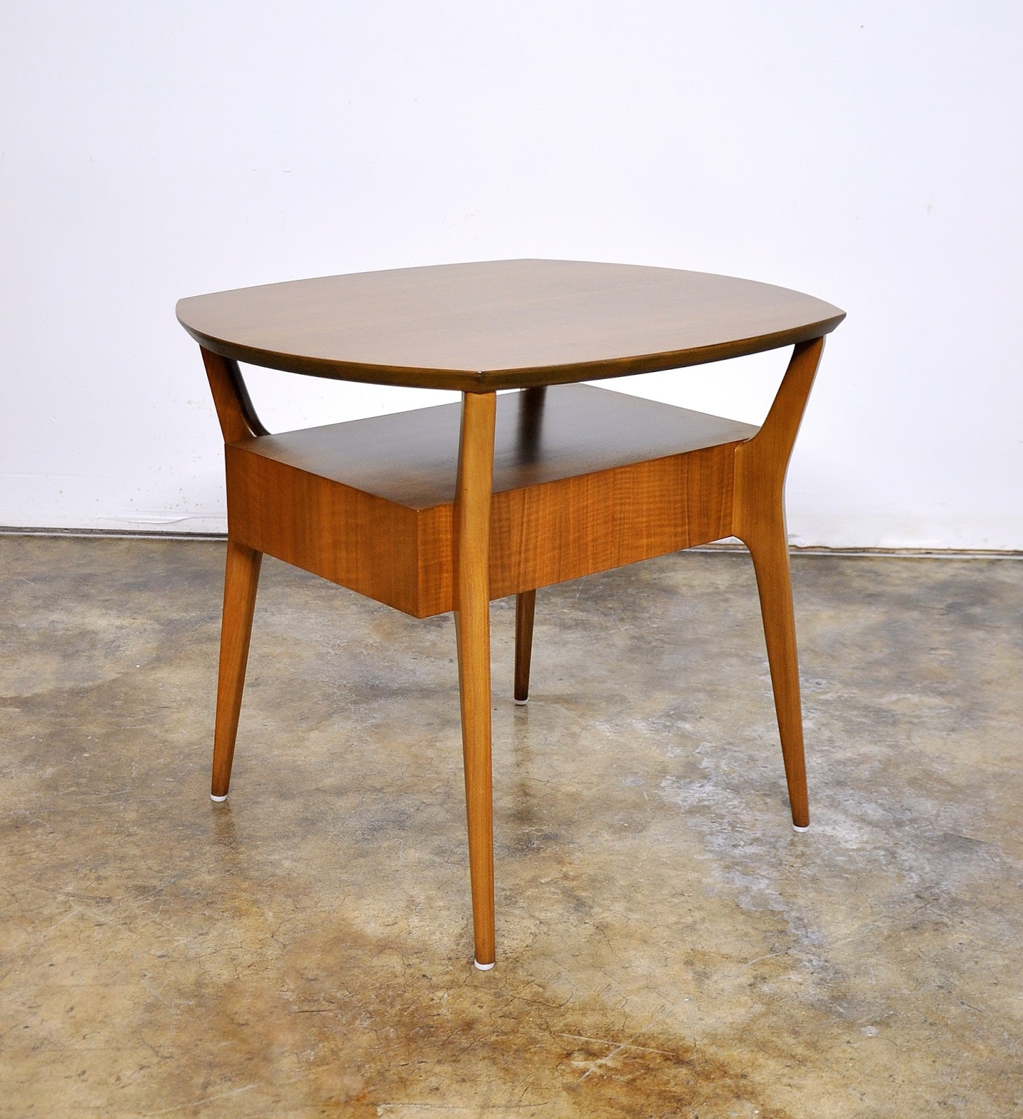SELECT MODERN Rare Singer & Sons Occasional Table Attrib Gio Ponti