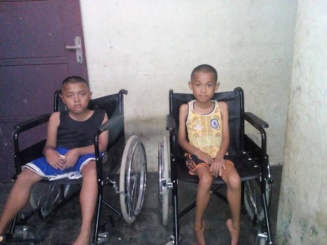 Kedua Anak Ini  (Rimles Sinaga (10 thn) dan Ruben Sinaga (9 thn)) Butuh Uluran Tangan dari Pemerintah dan Dermawan
