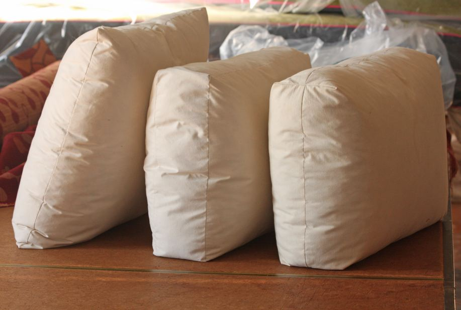 CUSHION WORKS Toss Pillows  Three Different Seams