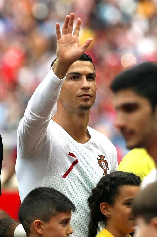 Càng thi đấu, Ronaldo càng thăng hoa, một phần là nhờ động lực  từ cô bạn gái Georgina Rodriguez