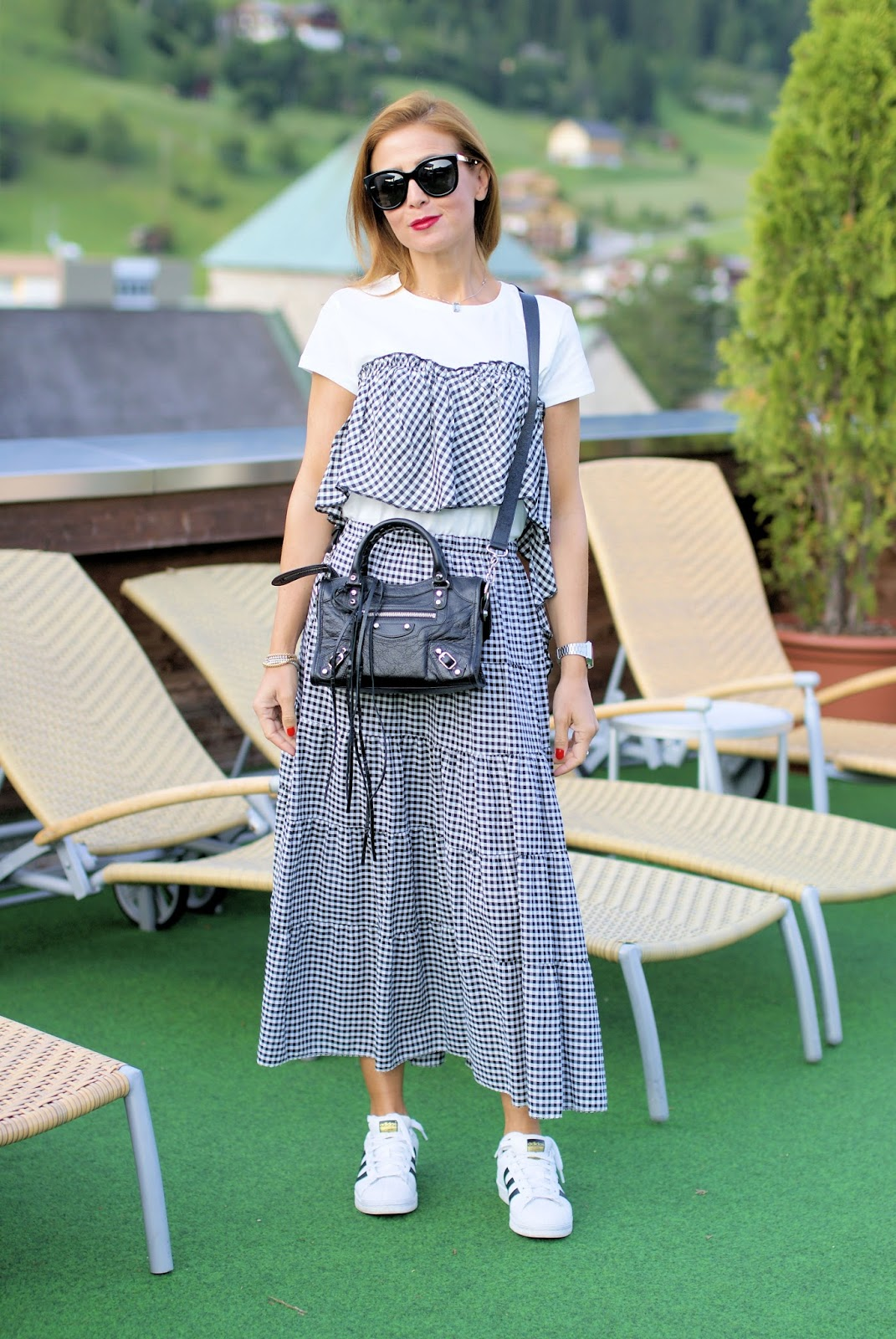 Gingham print outfit on Fashion and Cookies fashion blog, fashion blogger style