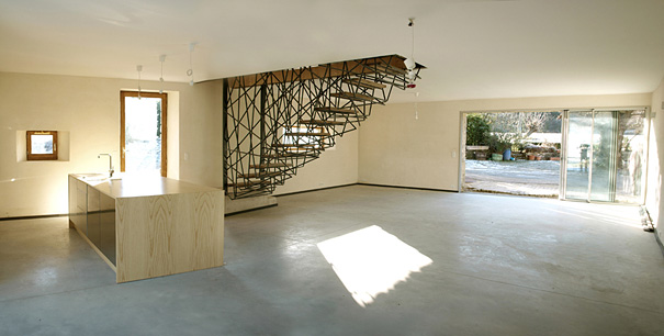 https://3.bp.blogspot.com/-SgU4K4-3tqA/WJxEtcWEMgI/AAAAAAAACow/pPMFlDCbpIQJ-u2j9ZefupLWJSuxZ_ekwCLcB/s1600/creative-staircase-designs-7.jpg