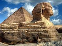 Пирамида и сфинкс, Гиза, Египет