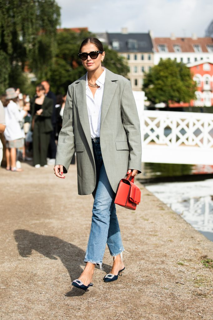 Two Perfect Blazer Looks to Recreate This Season – Grey Blazer Red Boyy Bag