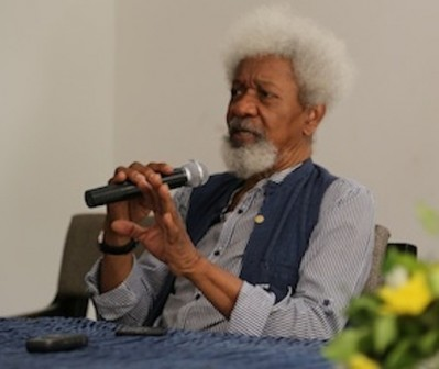 "Soyinka Apologizes For Criticizing Buhari Says ""It Was A Miscommunication"""