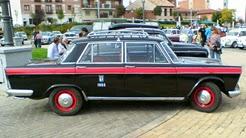 El anguloso 1500 negro con la franja roja fue el taxi más popular de los años 60 y 70.