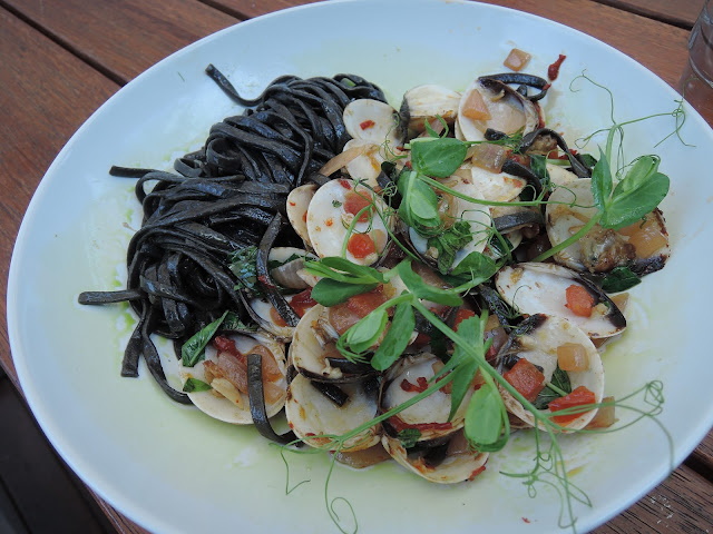 three monkeys place; squid ink pasta;  cafe;  jacksons square