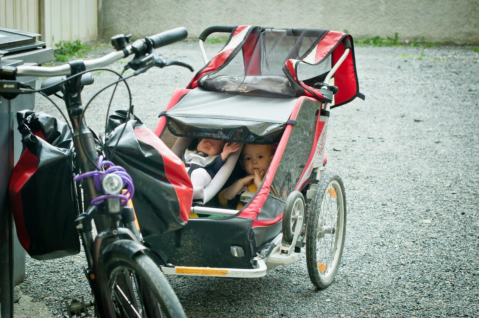 dziecko na rowerze, przyczepki na rower