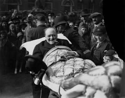 Trafik Kazası Geçiren Winston Churchill