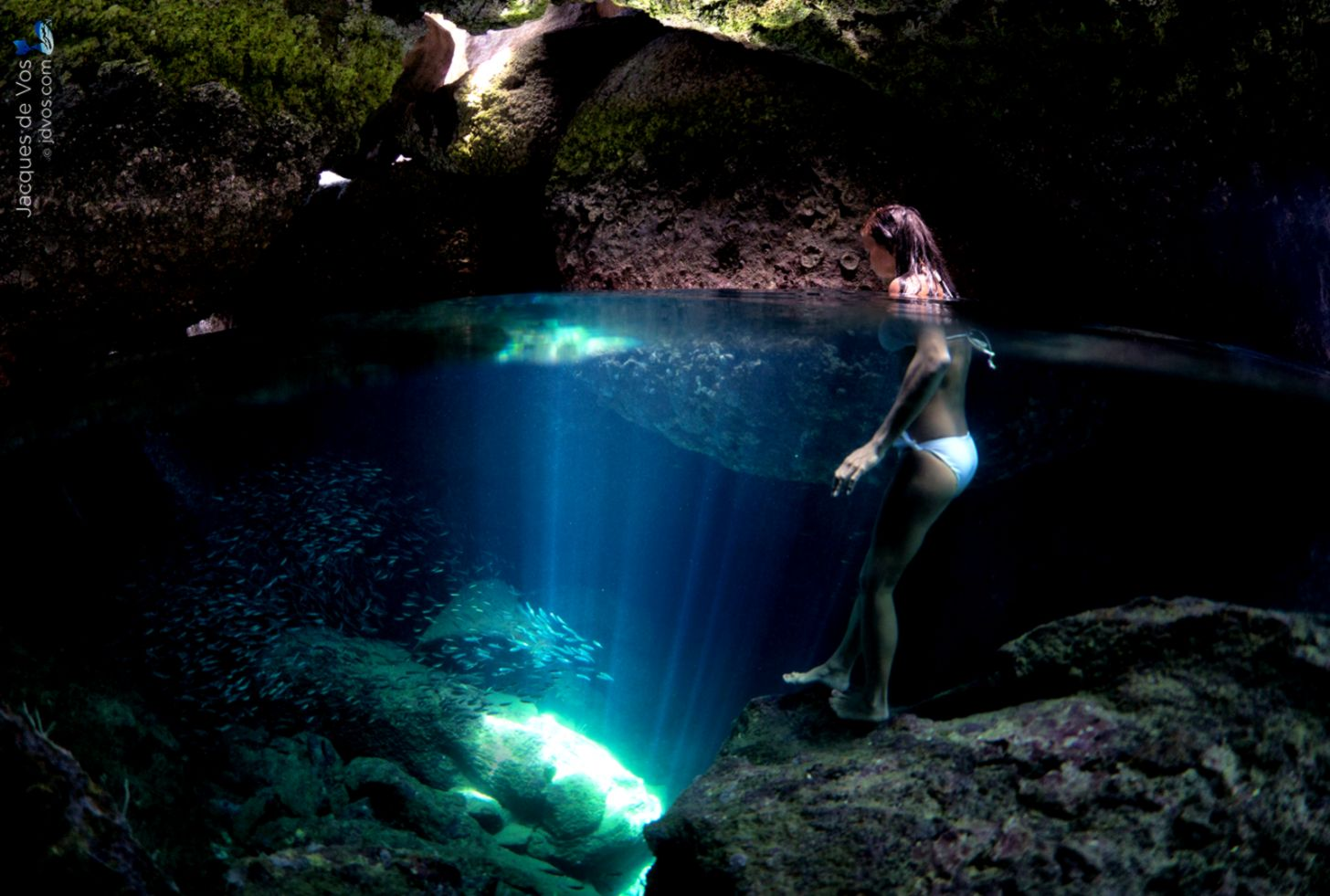 Underwater Cave With Air | Spot Wallpapers