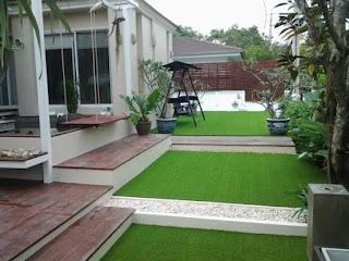 tukang rumput sintetis taman rumah