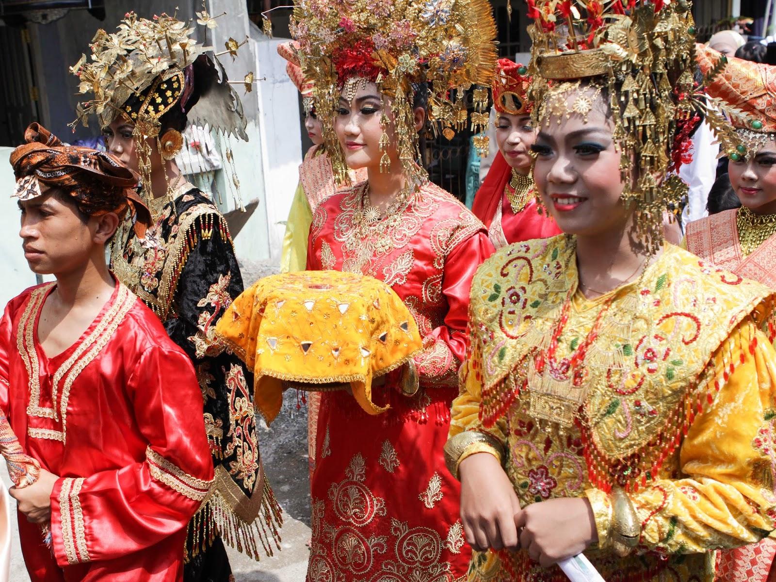 Baralek Gadang, Tradisi Pernikahan Adat Minang - JurnaLand