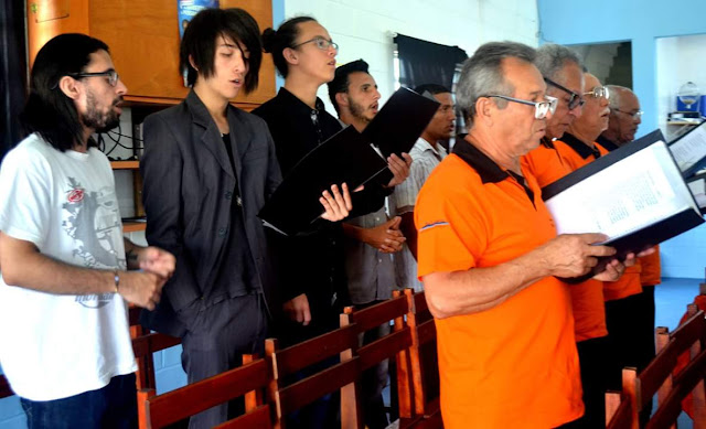 PROJETO ILHA JOVEM ABRE INSCRIÇÕES PARA OFICINA DE CANTO CORAL COM EDUCADOR MIGUEL ALVES