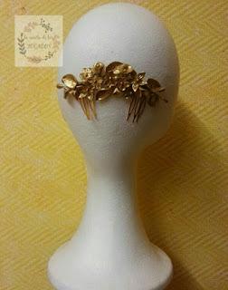 Peineta artesanal de porcelana fria en dorado para boda