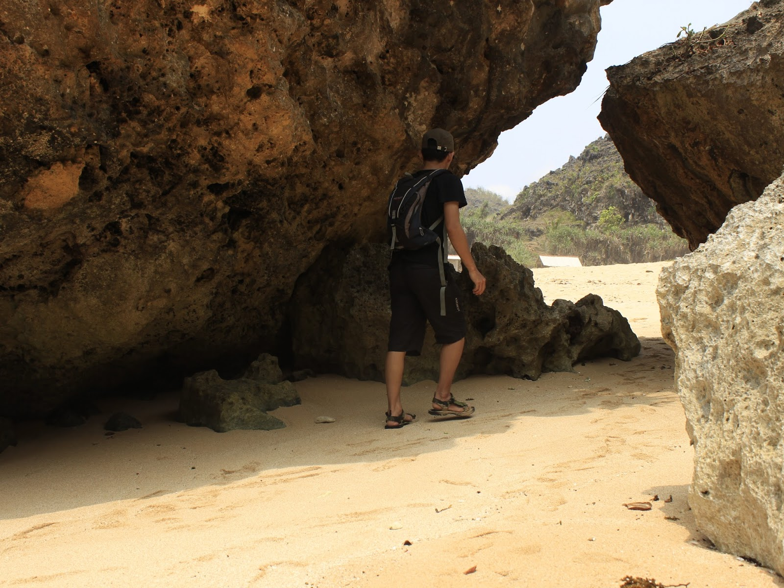 negeri batu pantai ngrumput gunungkidul yogyakarta