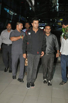 Ranbir Kapoor Snapped at Airpor gallery.