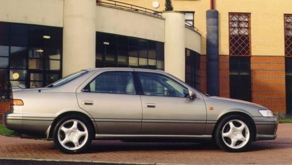 Camry 4 04 -  - Lịch sử các dòng xe Toyota Camry : Đột phá qua từng thế hệ