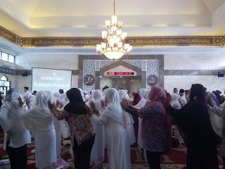 Edukasi kesehatan kepada calon jamaah haji bersama GEMAHATI & SUSU HAJI SEHAT MABES TNI Cilangkap Jakarta