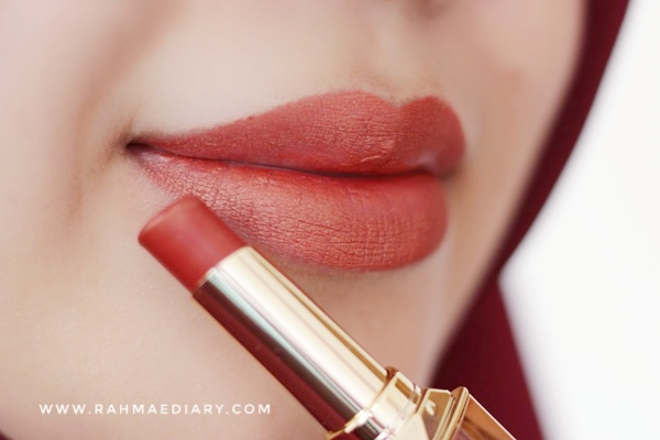 Review Purbasari Metallic Color Matte Lipstick